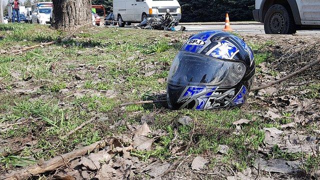 Поліцейський на конфіскованому мотоциклі протаранив три автомобілі під Києвом