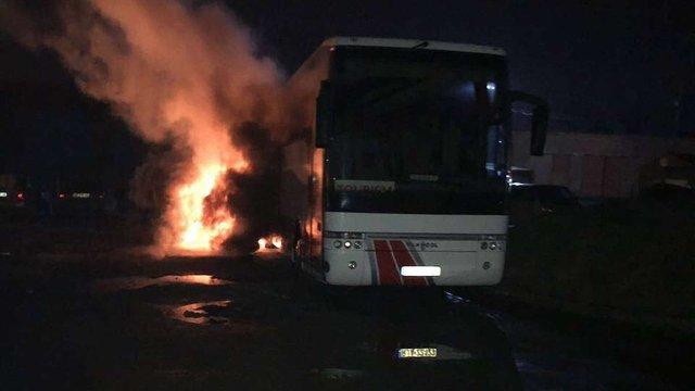 СБУ вперше розповіла деталі «підпалу» у Львові польського автобуса вночі на 1 квітня