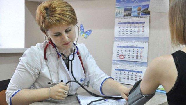 Лікар відмовився підписувати декларацію з пацієнтом. Що робити?