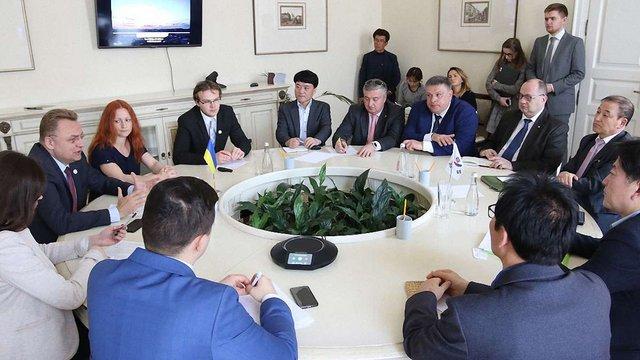 Міський голова Львова зустрівся з делегацією з Південної Кореї