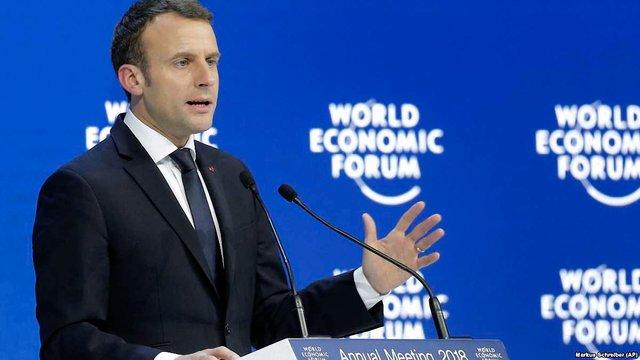 Президент Франції заявив про докази застосування хімічної зброї у Сирії