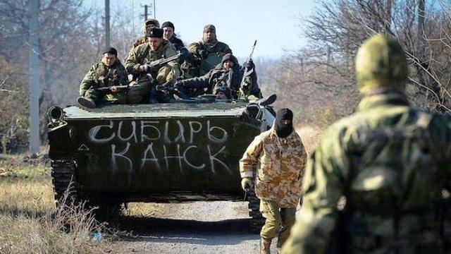 Голова МВС назвав точну кількість військових і техніки РФ на Донбасі