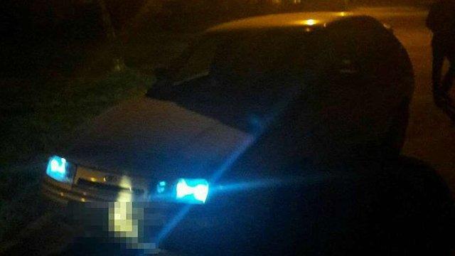 У Львові власник автомобіля затримав автозлодія одразу після вчинення крадіжки