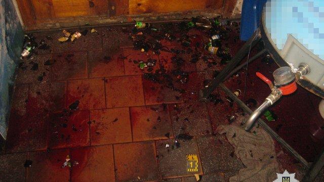 У Харкові чоловік пляшкою до смерті забив продавчиню крамниці