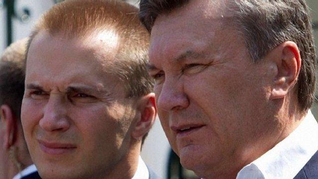 Печерський суд зняв арешт з рахунків фірм Олександра Януковича