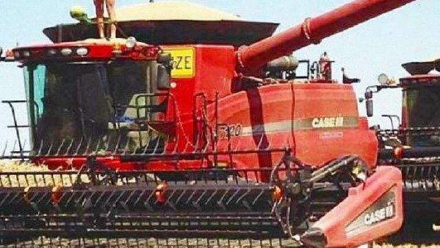 Тракториста з Полтавщини оштрафували через власні оголені фото у соцмережі