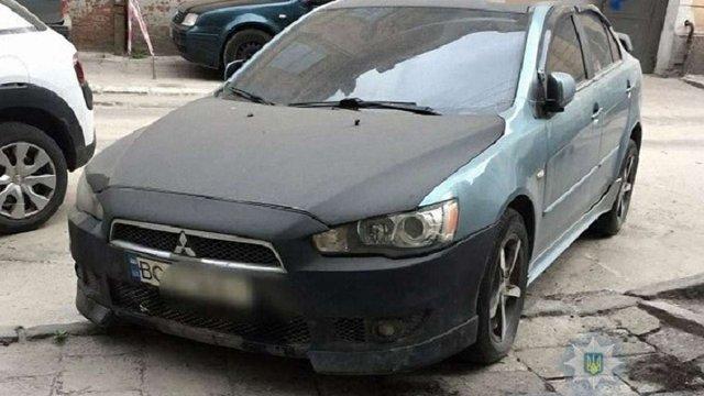 34-річний львів'янин пропонував поліцейському хабара власним автомобілем