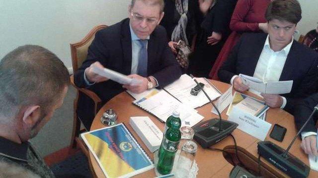 Рада підготує законопроект про відповідальність журналістів за підрив обороноздатності України