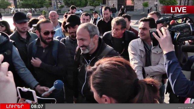 Поліція Вірменії пригрозила застосувати до протестувальників зброю