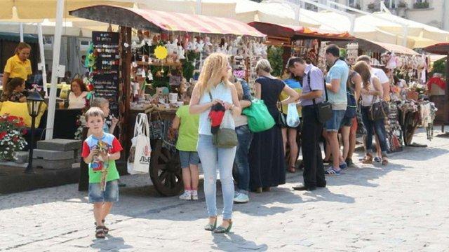 У Львові затвердили перелік легальних місць  для яток на колесах