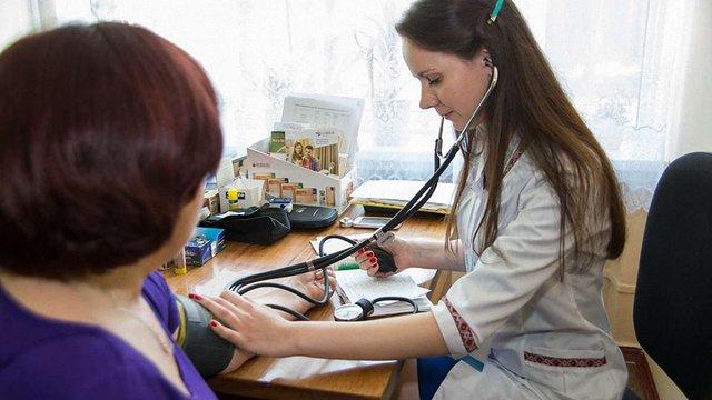 Понад мільйон українців уже підписали декларації з лікарями