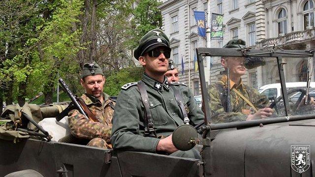 Біля ЛОДА відкрили виставку про дивізію СС «Галичина»