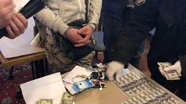 У Києві затримали росіянина, який вимагав від українського підприємця $250 тис.