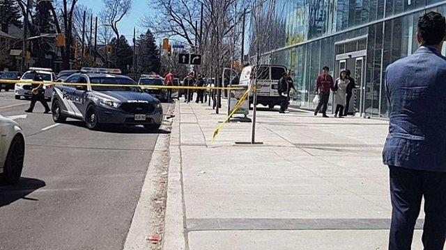 У Торонто фургон в'їхав у натовп людей: загинули десять осіб, ще 16 отримали поранення