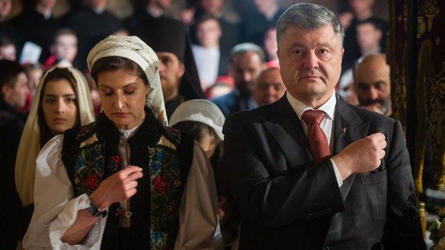 Ніхто не заборонятиме ходити в церкву, центр якої в Москві, – Порошенко