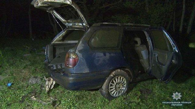 Зникле подружжя знайшли в машині на дні річки у Вінницькій області