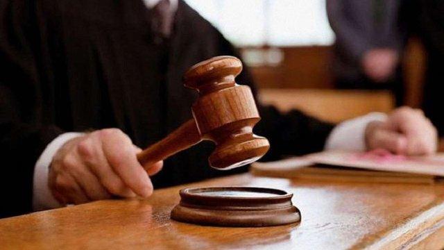 Двоє колишніх жовківських правоохоронців отримали умовні терміни за хабар у $1,2 тис.