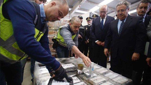 В Іспанії на судні з бананами виявили 9 тонн кокаїну