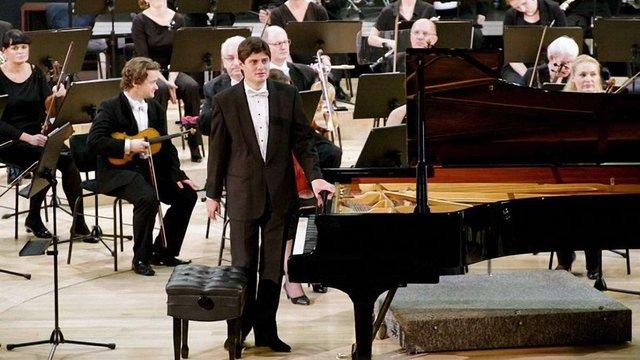 Львівський піаніст став заслуженим культурним діячем Польщі