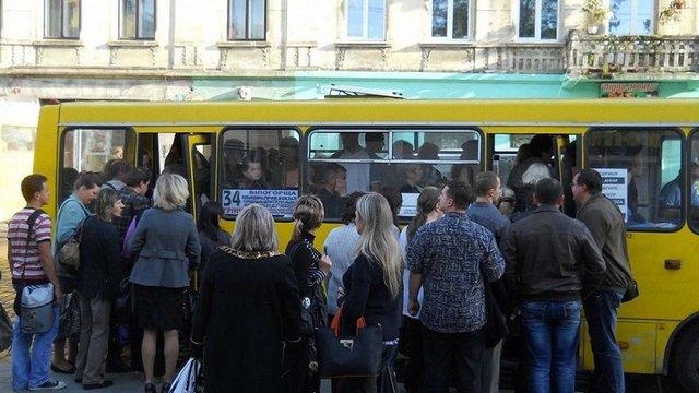Львівська мерія виступила проти підвищення вартості проїзду у машрутках до 7 грн