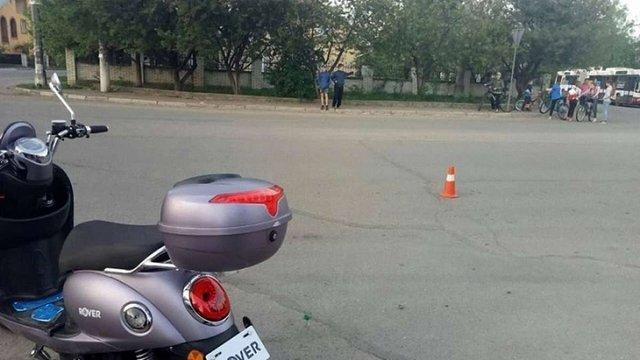 У Івано-Франківську вагітна п'яна жінка на скутері намагалась втекти від поліції