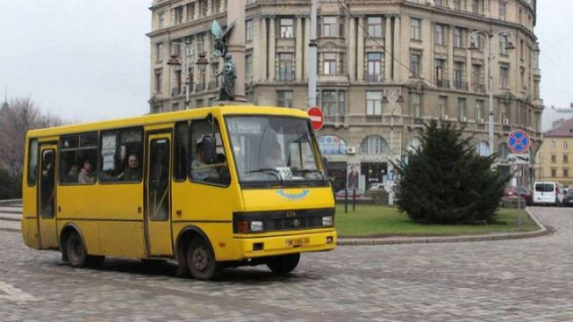 У Львові водіїв маршруток закликали не відмовляти у безкоштовному проїзді паломникам Тезе