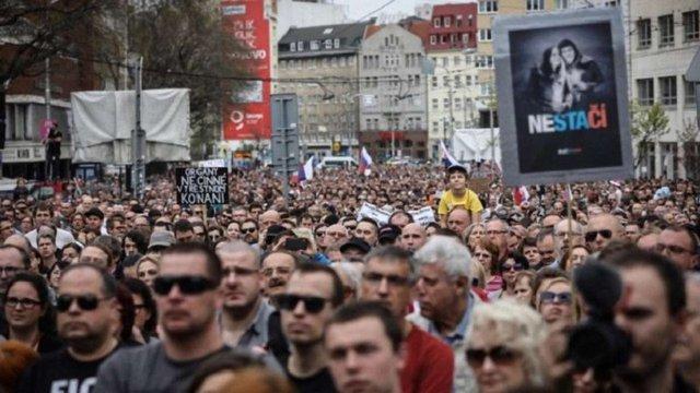 У Словаччині тисячі демонстрантів вимагали позачергових виборів після вбивства журналіста