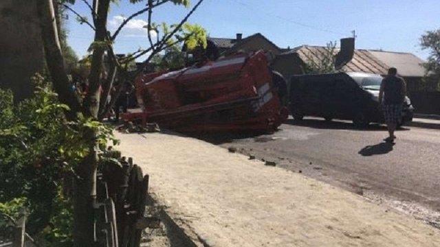 На Івано-Франківщині перекинулася пожежна машина, яка їхала на виклик