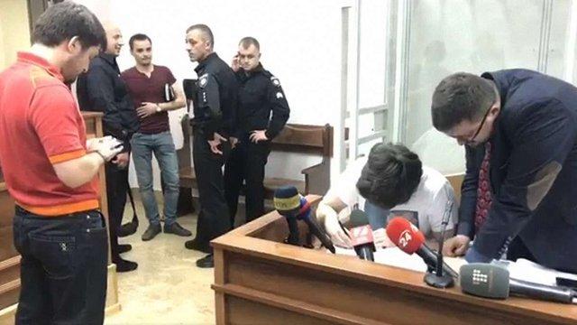 Трьом підозрюваним у нападі на депутата Найєма присудили домашній арешт