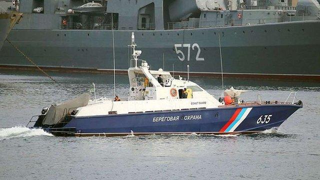 ФСБ Росії у Чорному і Азовському морях почала зупиняти кораблі, що прямують в Україну
