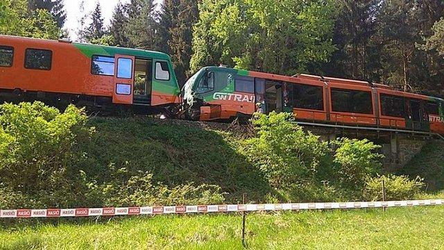 У Чехії внаслідок помилки машиніста зіткнулися два потяги, 14 людей постраждали