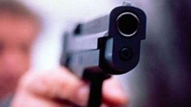 Депутат влаштував стрілянину під час сесії міськради Нікополя