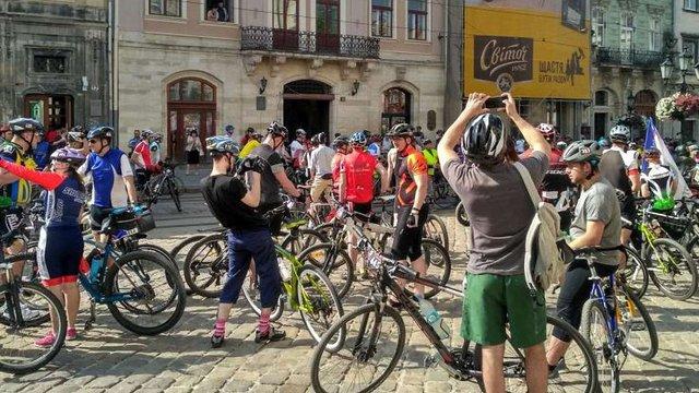 Близько тисячі велосипедистів стартували у марафоні «Львівська сотка»