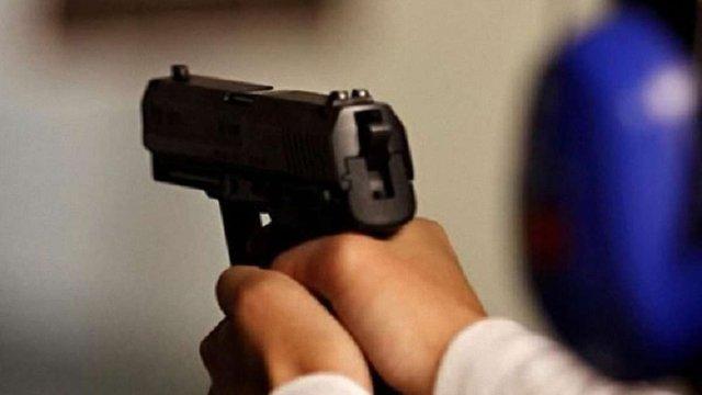 У Судовій Вишні під час конфлікту чоловік поранив свого сусіда з травматичного пістолета