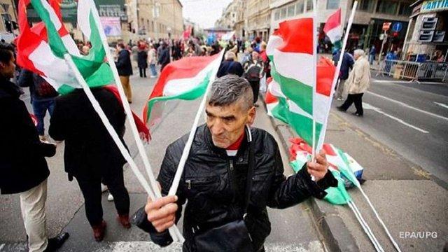 Екс-голова села на Закарпатті зізнався, що масово вивозив земляків в Угорщину на вибори