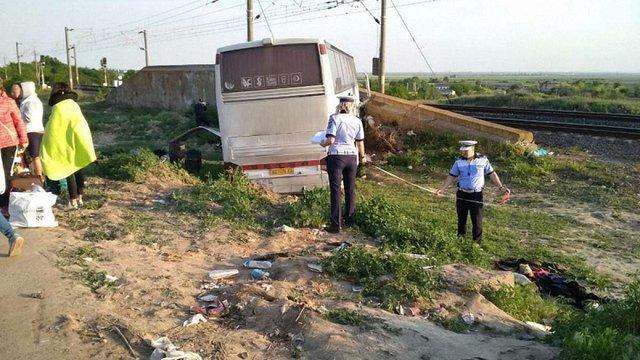 Автобус з українськими туристами злетів у кювет після ДТП у Румунії