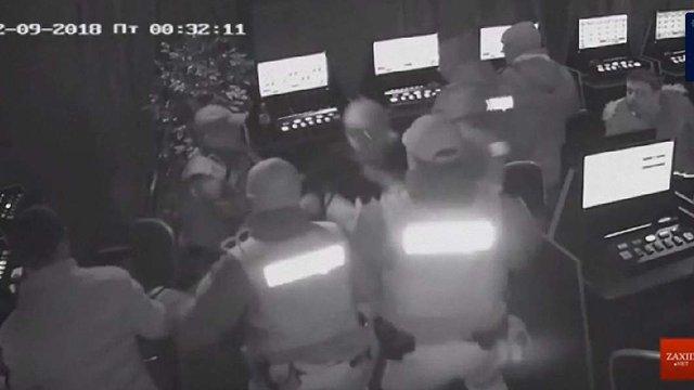 Шістьом львівським патрульним оголосили підозру у вбивстві відвідувача грального закладу