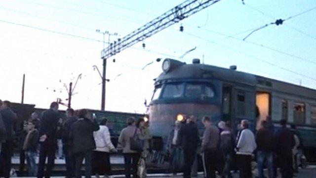 Після протесту пасажирів «Львівська залізниця» змінила графік курсування приміських потягів