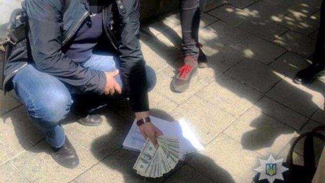 Обвинуваченого у хабарництві львівського адвоката арештували з правом застави у ₴70,5 тис.