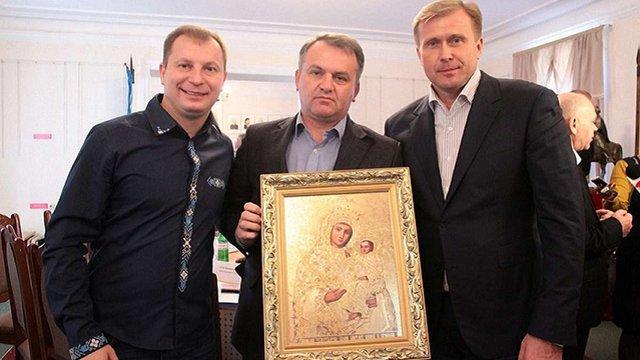 Серед керівників ОДА Західної України найбільшу зарплату отримує голова Чернівецької області