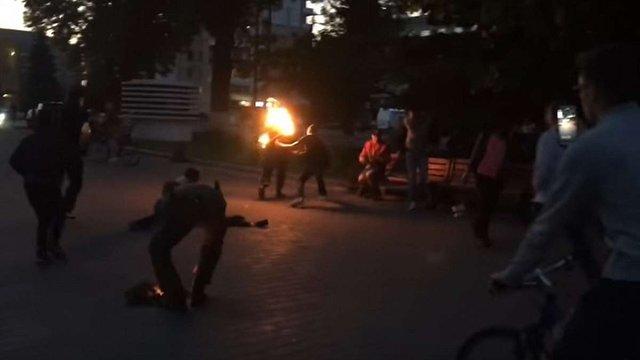 Психічнохворий чоловік вчинив спробу самоспалення у центрі Луцька