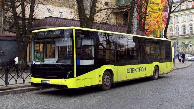 Водій львівського автобуса 3А розповів подробиці порятунку пасажирки