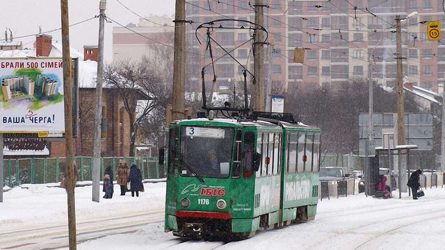 Пасажирка відсудила у «Львівелектротрансу»  ₴150 тис. за зламану в трамваї ногу
