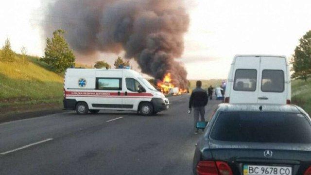 Під час ДТП на Рівненщині водій загинув у палаючому автомобілі