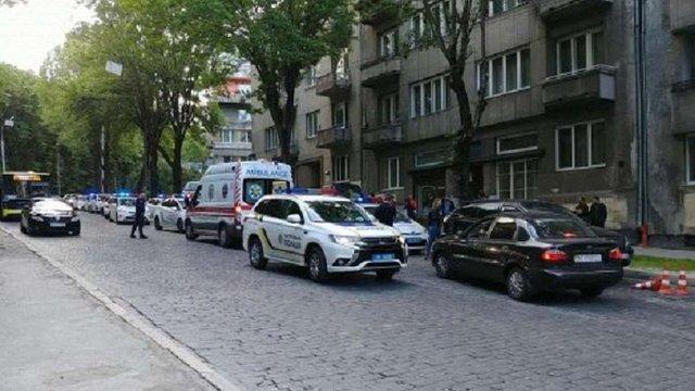 Суд взяв під варту чоловіка, що вдарив ножем у живіт львівську поліцейську
