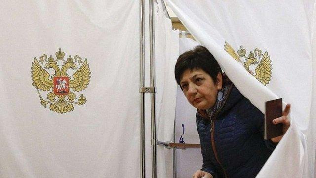 Порошенко відкликав законопроект про позбавлення громадянства за участь у виборах у Криму
