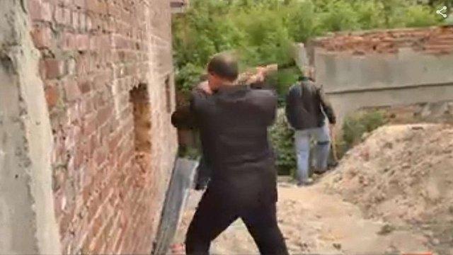 Керівники Золочівського району закликали силові структури владнати будівельний конфлікт у місті