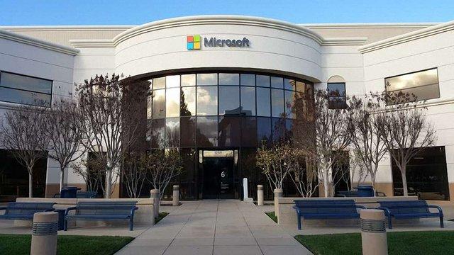 Вартість Microsoft через рік може сягнути $1 трлн