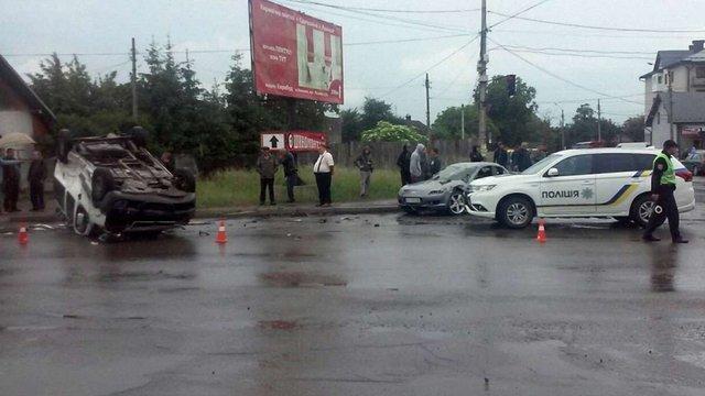 У Коломиї сталася потрійна ДТП через водія, що проїхав на червоне світло