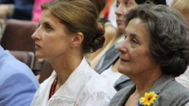 Порошенко присвоїв рідній сестрі своєї дружини звання «Заслужений діяч науки і техніки»